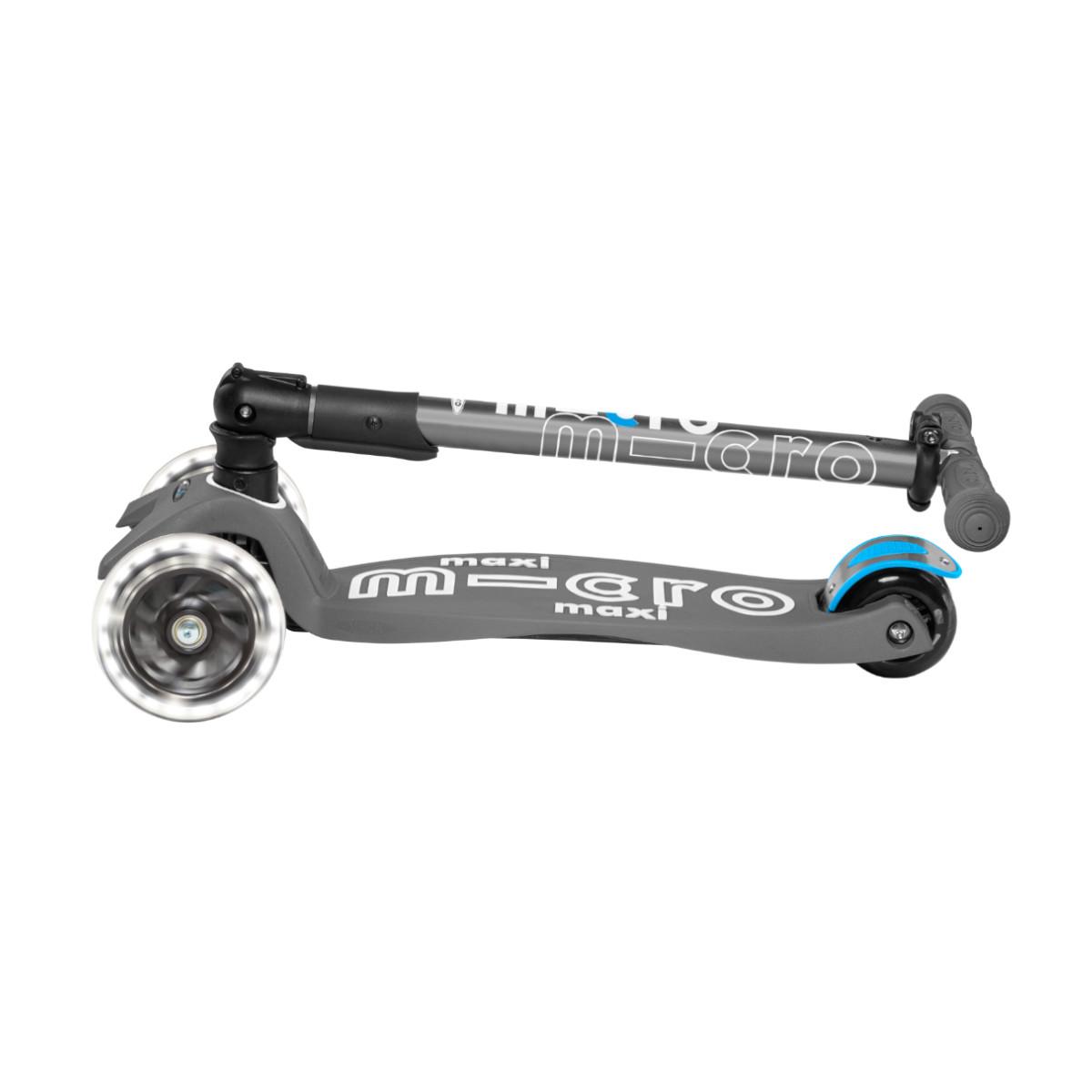 Maxi Micro Deluxe skládací - volcano grey LED - 06