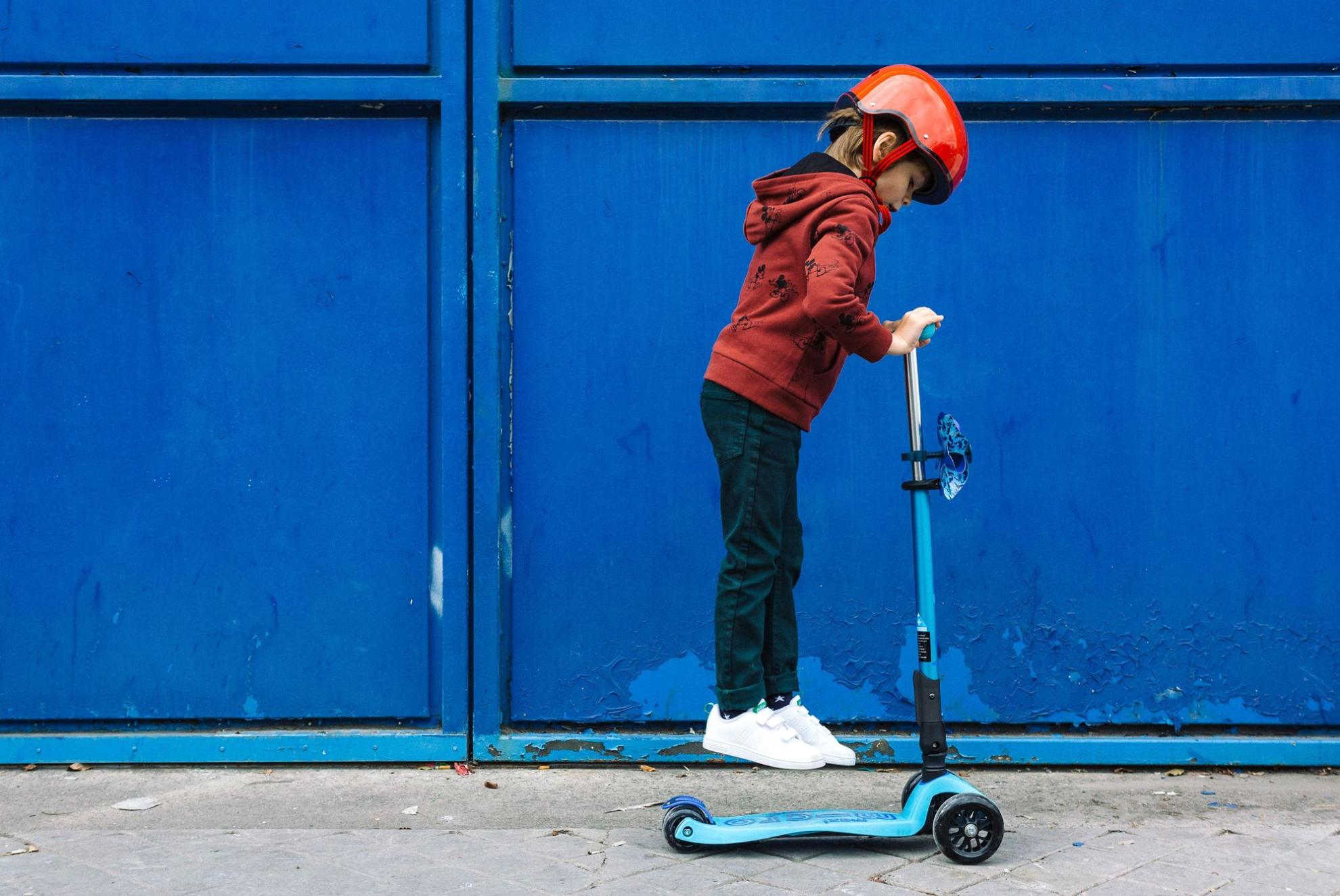 Akční obrázky Maxi Micro Deluxe skládací - bright blue