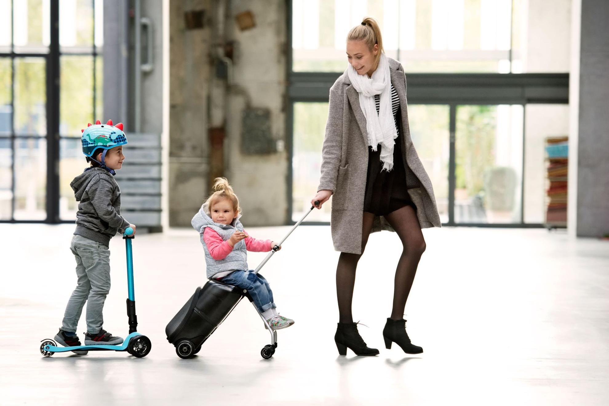 Akční obrázky Micro Lazy Luggage