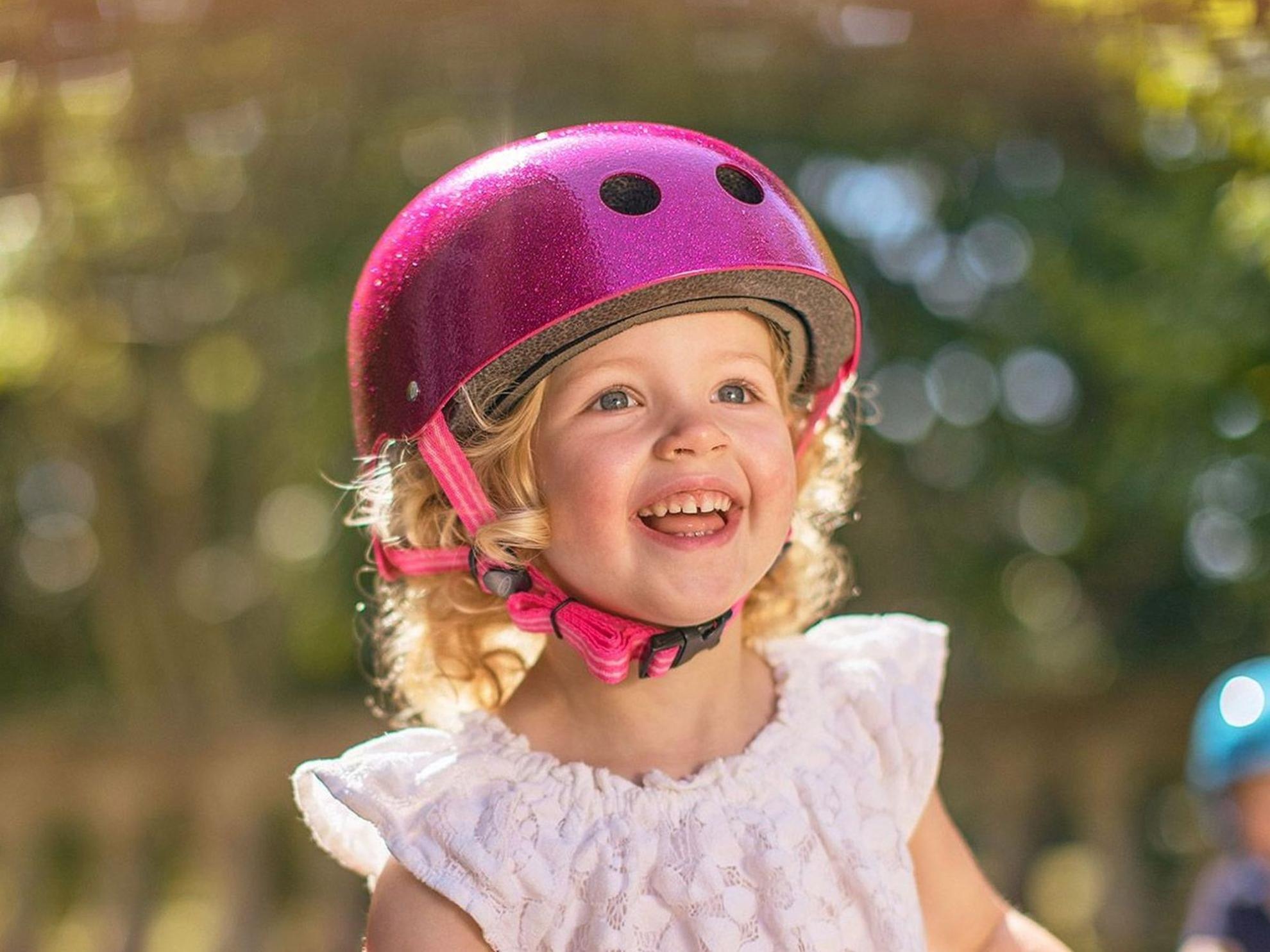 Akční obrázky Přilba Micro Pink Glitter S (48-52 cm)