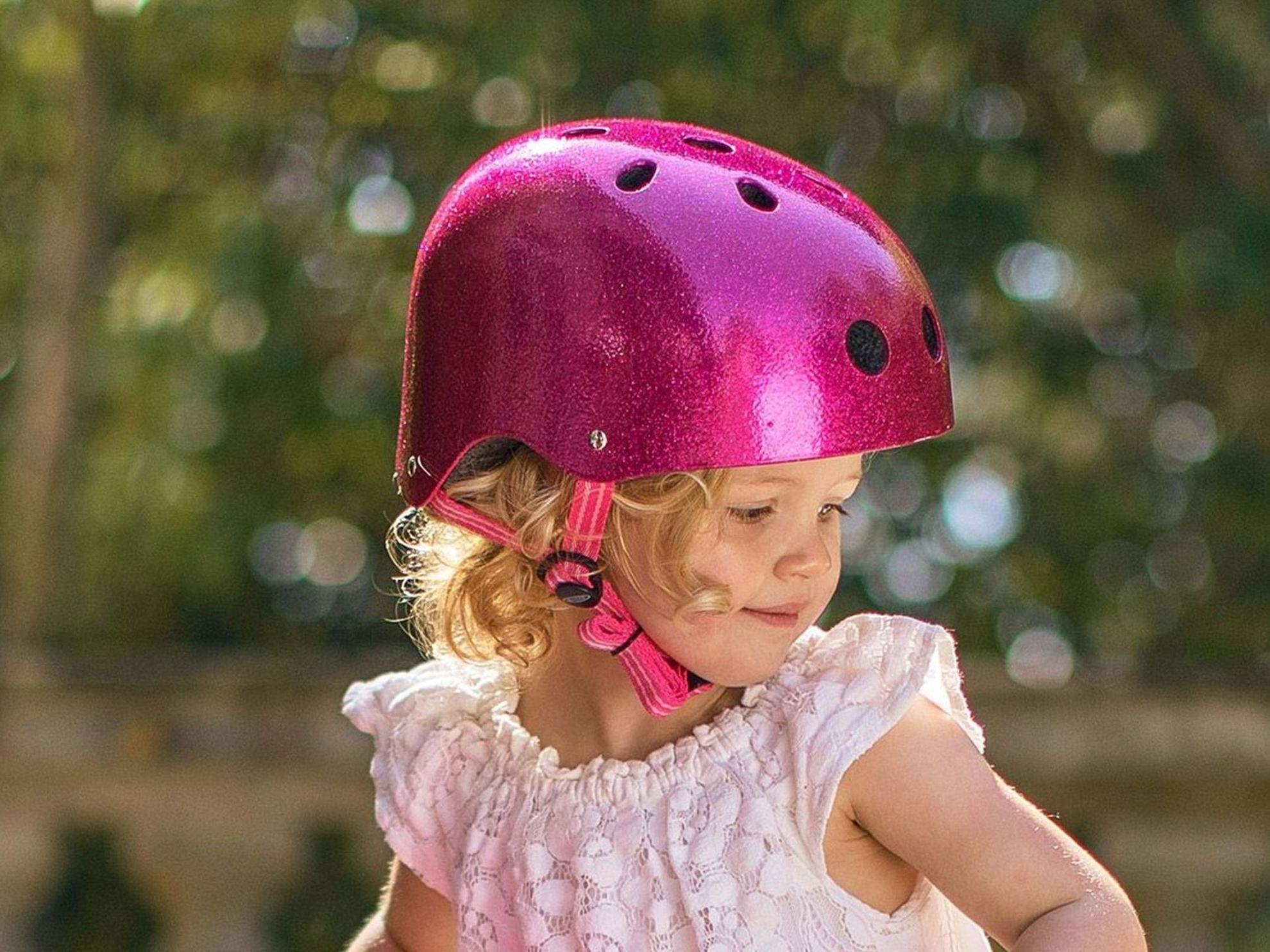 Akční obrázky Přilba Micro Pink Glitter M (53-57 cm)
